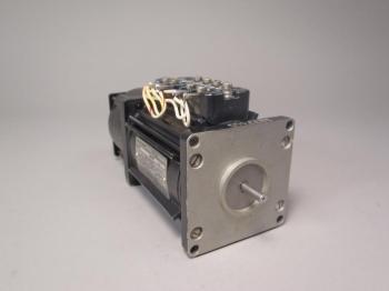 Singer Servo Motor 05088-FPE49-153-1 2 Phase 6 Pole 10 Watts -New Old Stock