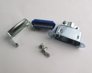 57-33240-1 Amphenol D-Sub Connetor 24 POS