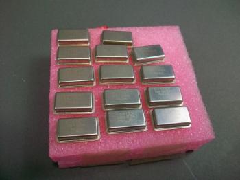 Lot of 10 Sawtek 70 MHz Oscillator 851556